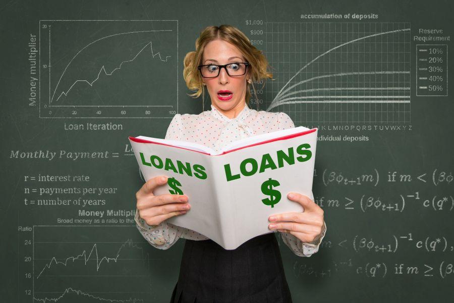 Kredyty konsumenckie reguluje ustawa z 12 maja 2011 roku.