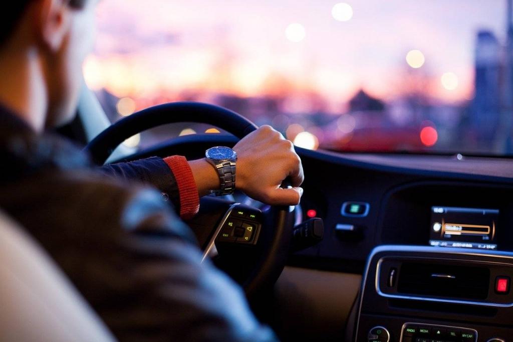 Kim jest i czym zajmuje się rzeczoznawca samochodowy?